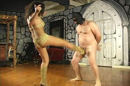 Ballbusted Slave